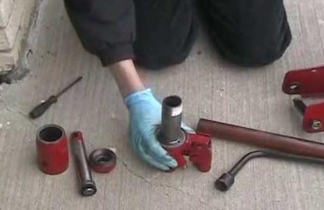 Ремонт гидравлического домкрата: как починить устройство своими руками