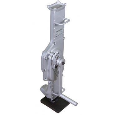 Домкрат stels: гидравлический, подкатной с фиксатаром - какой выбрать
