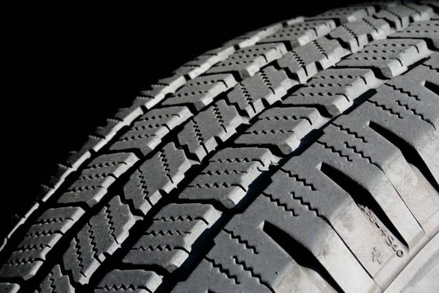 Срок службы зимней шипованной резины: сколько лет можно ездить на зимних шинах