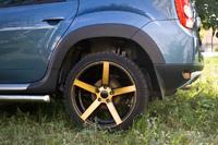 Накладки на арки колес универсальные и пластмассовые для Рено Дастер и ВАЗ 2110
