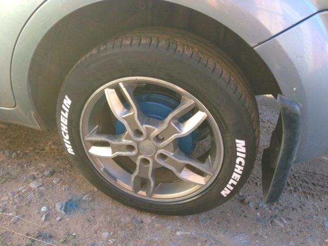 Краска для резины колес: чем покрасить резину чтобы краска не сошла с покрышек